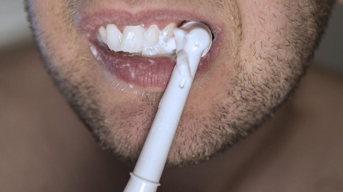 Fogzomanc kopása a helyes fogmosástól függ